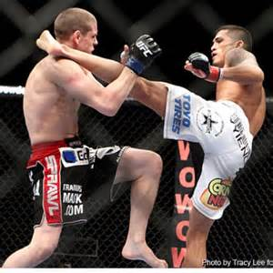 Anthony Pettis met Joe Lauzon KO