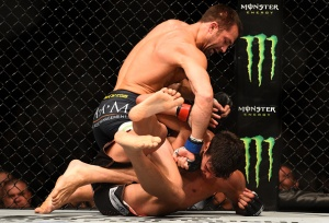 Luke Rockhold domine Lyoto Machida